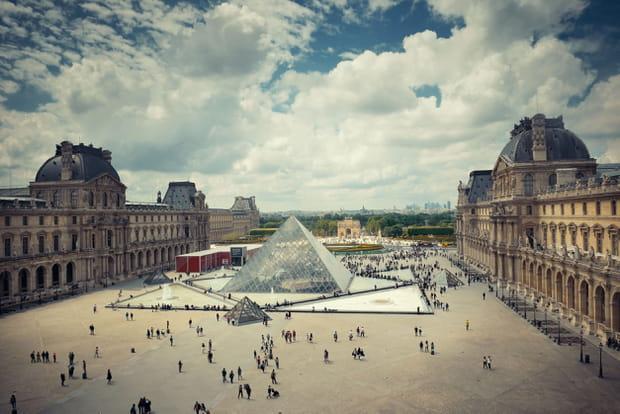 Accès libre au musée du Louvre en nocturne