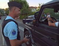 Enquête sous haute tension : Gendarmes de Saint-Tropez : un été chaud sur la Côte d'Azur (n°1)