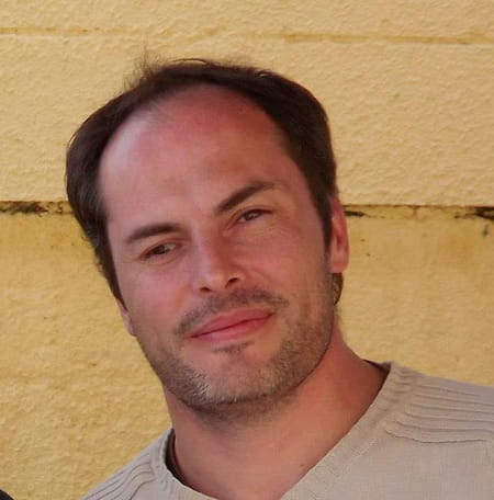 David Né