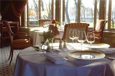 Alléno Paris  - Le restaurant gastronomique Ledoyen -   © Eric Delamarre