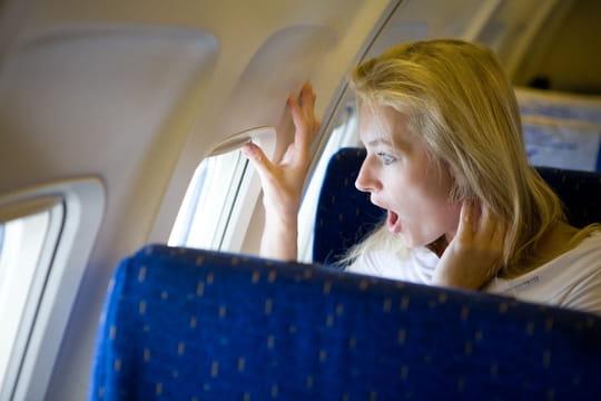 Peur de l'avion: stage, médicaments, hypnose... Que faire?