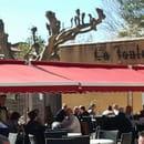 , Restaurant : Les Amis de la Fontaine  - Terrasse restaurant -   © evelyne leyris