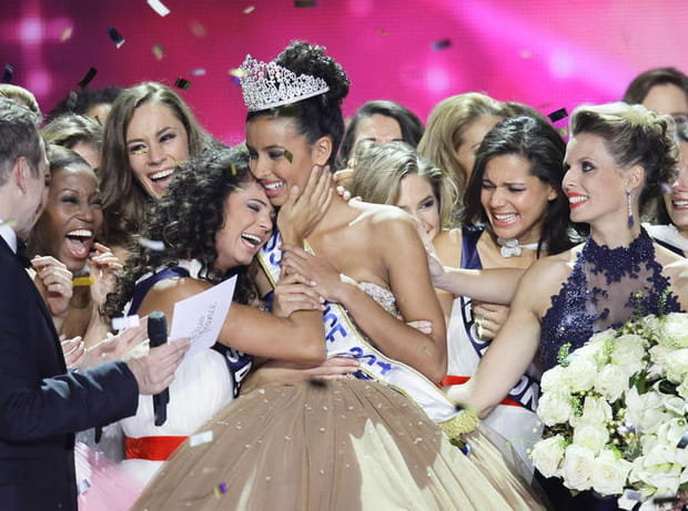 Les miss félicitent Miss France 2014