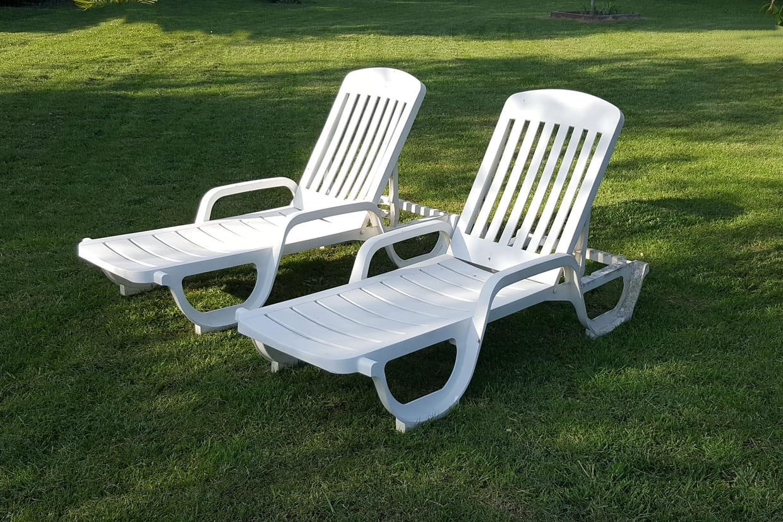 bain de soleil en bois en plastique double les. Black Bedroom Furniture Sets. Home Design Ideas