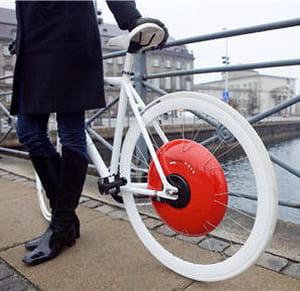 ce vélo permet aussi aux cyclistes de se rencontrer et d'échanger leurs données.