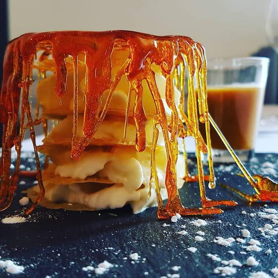 Dessert : Le Peyrolade  - Mille feulle aux poires dans sa cage au caramel -   © peyrolade