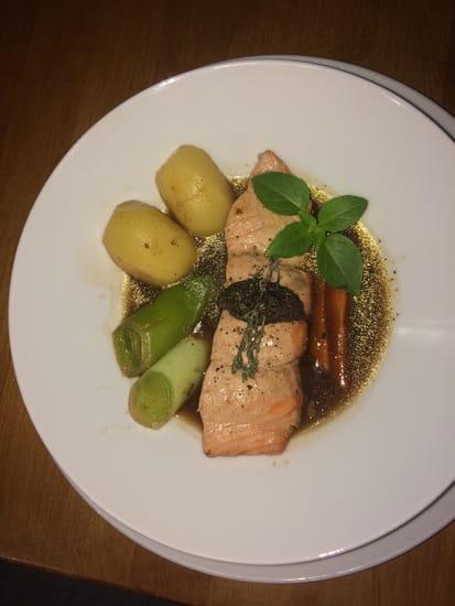 Plat : A La Maison  - Pot au feu de saumon -   © Non