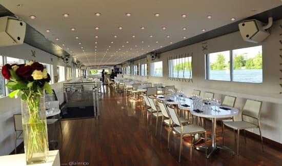 Bateau Bellona  - Le restaurant. -   © Alain Rico