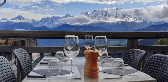 Restaurant : Le Refuge  - Vue Balcon du Mont Blanc - Terrasse restaurant le Refuge -   © CréaPUB