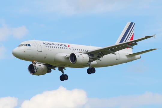 Grève Air France: 50% des vols long-courriers annulés à Paris ce jeudi