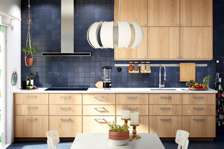 une cuisine colo. Black Bedroom Furniture Sets. Home Design Ideas