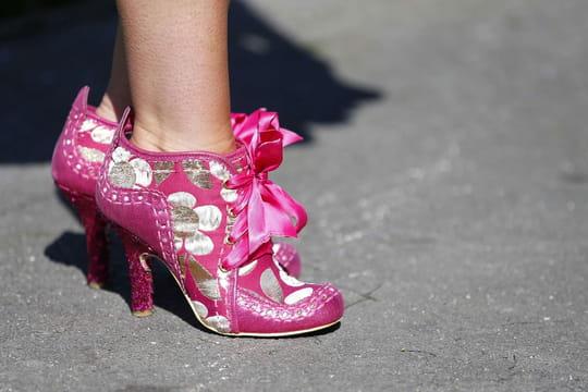 Chaussure grise ou rose: après la robe, le débat qui agite le web