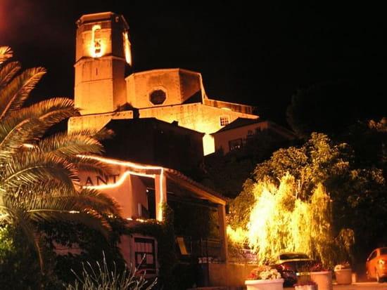 La Table du Moulin  - By night, la collégiale -   © gazelle