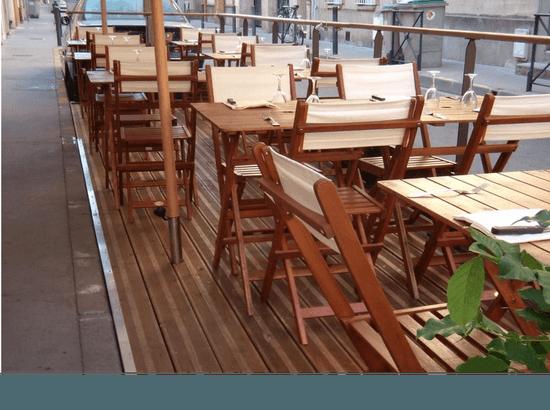 Restaurant : Racine Café  - terasse -   © Racine café