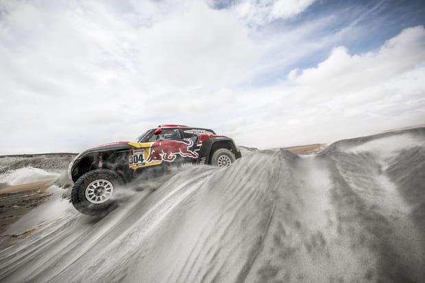 Stéphane Peterhansel dans les dunes