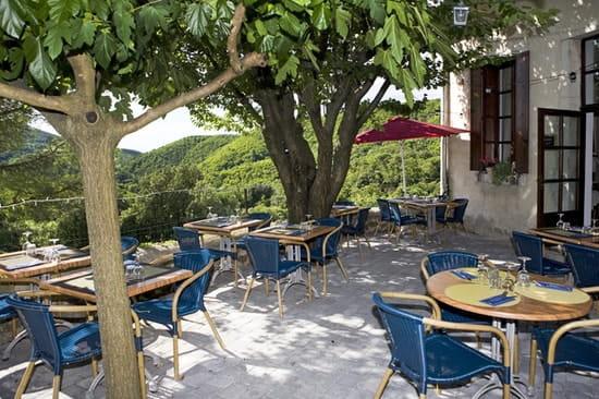 Auberge de Valestalière  - terrasse -   © Benoit Vanoverbeke