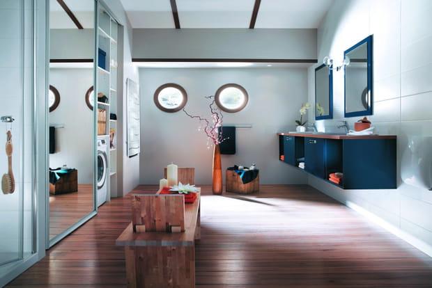Une salle de bains bateau for Salle de bain de bateau