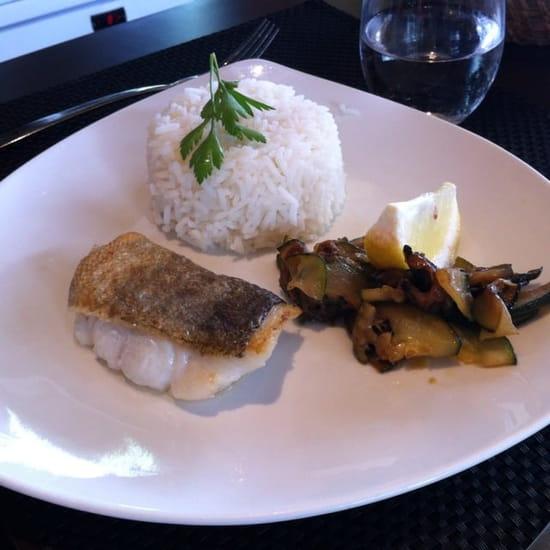 Plat : La Fleur de Thym  - Pavé de poisson et son riz menu enfant  -