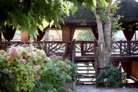 Les Paillotes - Les Etangs de Corot  - Les Paillotes, revisitent les terrasses atypiques  du début du XXeme siécle -   © Les Etangs de Corot