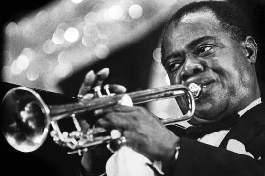 Louis Armstrong: biographie d'un jazzman de légende à la vie trépidante
