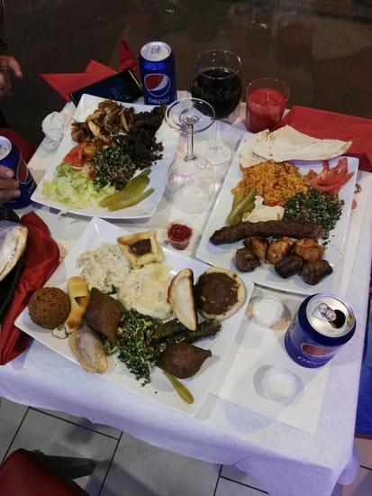 Restaurant : Le Cèdre Oriental  - table -   © le cèdre