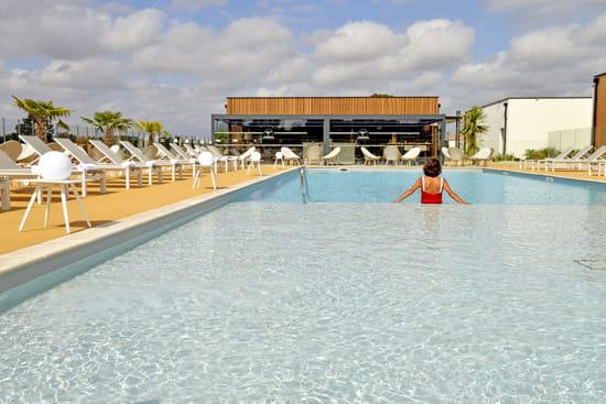 Restaurant : New Lodge  - Notre piscine extérieure -   © Restaurant New Lodge