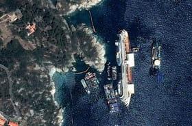 Costa Concordia: le redressement de l'épave vu de l'espace