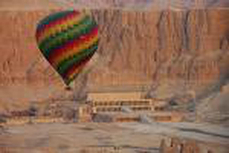 Combien ça coûte...de survoler le Nil en montgolfière?