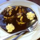 Le Bistrot  - Profiteroles au chocolat -   © Le Bistrot