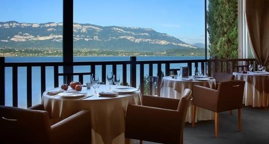 Le Bateau Ivre par Jean Pierre Jacob  - Terrasse restaurant -   © Gérard Cottet