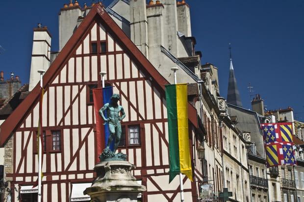 La place François Rude, Dijon