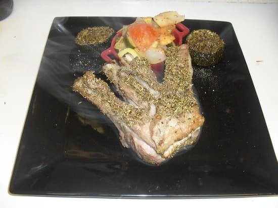La Grange Gourmande , Restaurant  - Cave à Vins  - carré d'agneau rôti en croûte d'herbes de Provence -