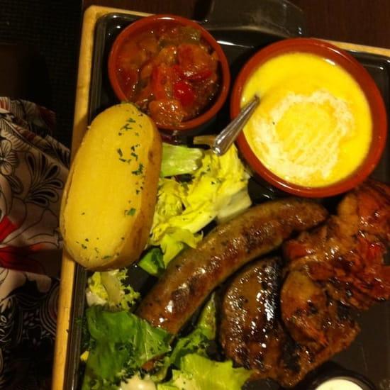Plat : Poivre Rouge  - Mix grill et fromage fondu -