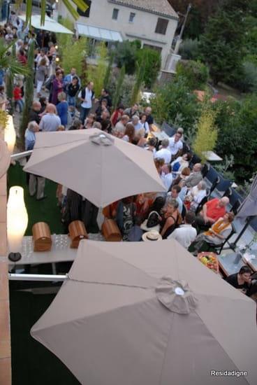 Le 9 Restaurant  - La terrasse vue de haut -   © Jérôme Payan -
