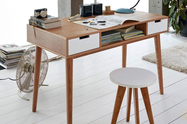 un bureau r tro. Black Bedroom Furniture Sets. Home Design Ideas