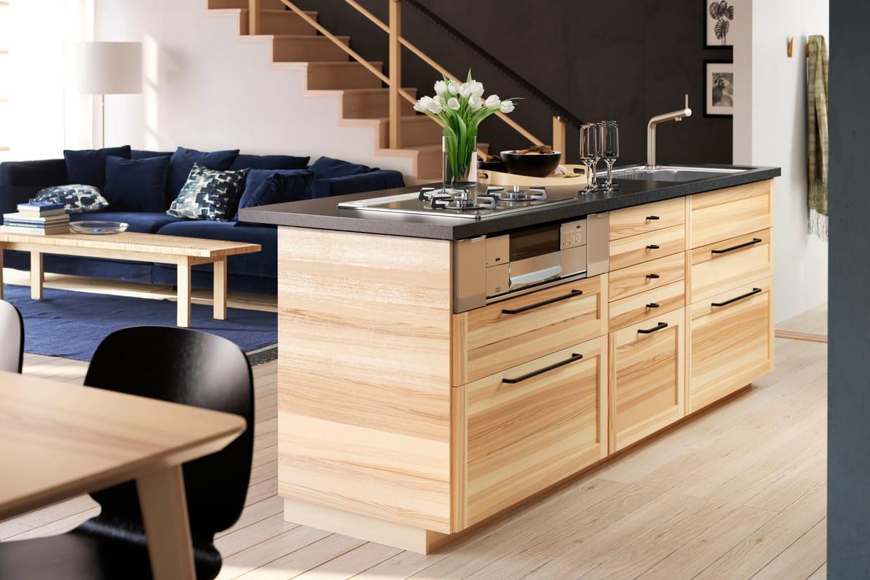 une cuisine avec lot. Black Bedroom Furniture Sets. Home Design Ideas