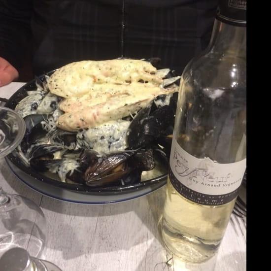 Plat : Le Med  - Assiette de moule avec crème ainsi que gambas et fromage gratiné vraiment très bon  -