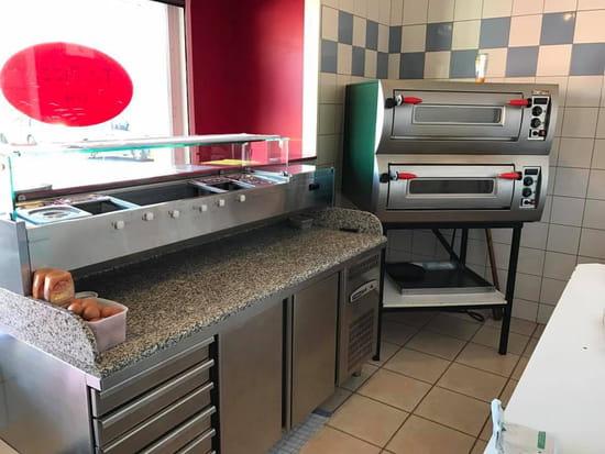 Restaurant : To Pizza'64  - L'espace de préparation -   © To Pizza'64 2017