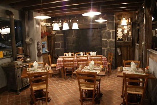 La Mangoune  - cuisine auvergnate -   © AVRILLON