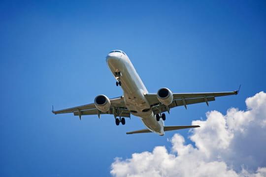 Liste noiredes120compagnies aériennes interdites en Europe, noms et pays