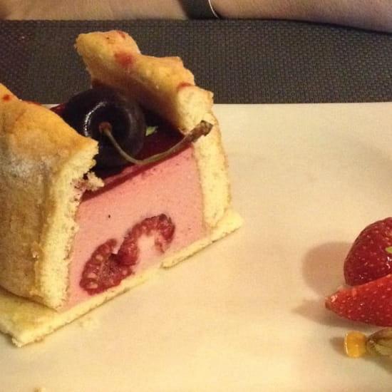 Dessert : Le Jardin Gourmand  - Charlotte fruits rouges -