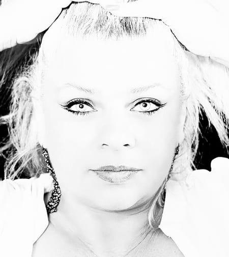 Marie-Christine Delmond