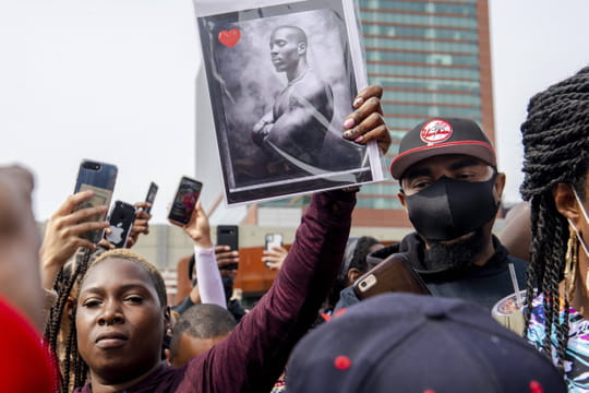 Mort de DMX: les images des impressionnantes funérailles du rappeur