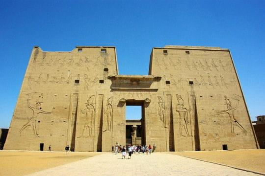 Le temple d'Horus, dieu faucon
