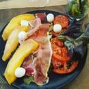 Plat : L'Origan  - Salade d'été. Melon jambon serrano -