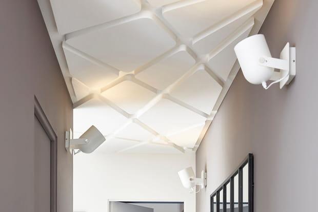 Un plafond original et un bon éclairage