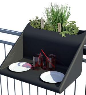 un table d appoint pour balconnet. Black Bedroom Furniture Sets. Home Design Ideas