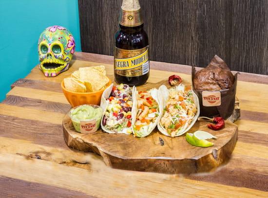 Plat : Tex A Way  - 3 tacos maison, tortillas chips et guacamole maison, muffin maison et bière mexicaine brune -   © #TEXAWAYOFLIFE