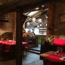 Restaurant : Jean d'la Queue  - Le comptoir vu de la salle  -