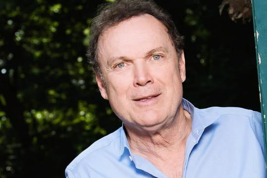 Julien Lepers: biographie de l'ex-présentateur de Questions pour un champion